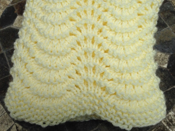 Knitting Edges For Baby Blankets : Baby blanket knitted with scalloped edges by georgiathreads