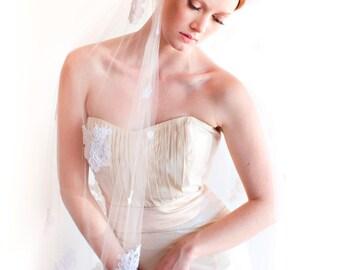Francesca Fingertip Lace Veil