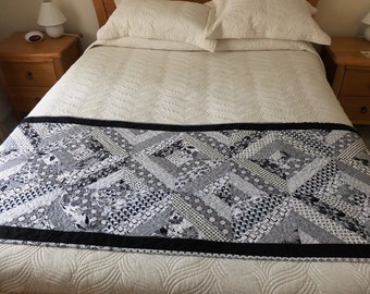 Patchwork quilted monochromatic bed runner, black and white Queen bed runner, modern bedroom decor