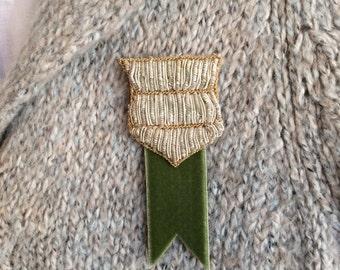 Emblem brooch Indian applique-Vintage green ribbon-Leather BC009