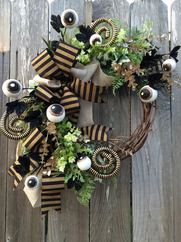 halloween wreath halloween mesh wreath halloween door. Black Bedroom Furniture Sets. Home Design Ideas
