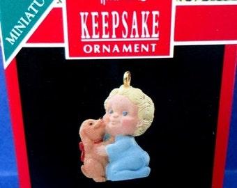 1990 Puppy Love Hallmark Retired Miniature Ornament