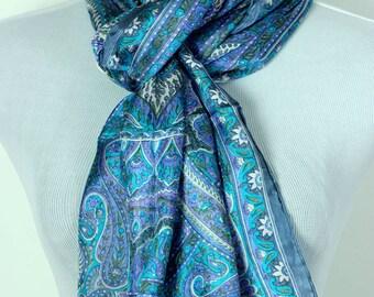 Banarsi Designs Floral Paisley Silk Scarf (Turquoise)