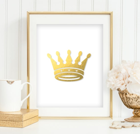Gold foil crown printable girl 39 s bedroom wall art princess for Queen bathroom decor