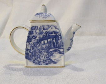 Nantucket tea pot mini