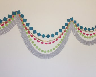 Geometric Paper Garland Backdrop. Tribal Garland. Photo Backdrop. Birthday Garland. Fringe Garland. Pow Wow Party. Southwestern