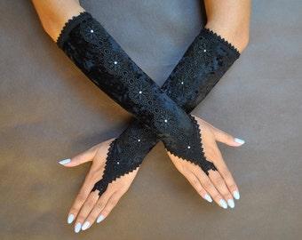 Elegant GOTHIC VAMPIRE Victorian Burlesque Glamour Evening GLOVES black velvet, fingerless mittens with Swarovsky crystals