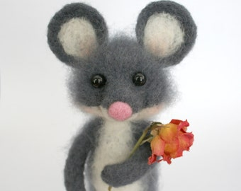 Mouse.Needle Felted Mouse.Gray Mouse. Felted Mouse with Flowers.Soft Sculpture.Felted Animal.Cute Miniature.Made to order.