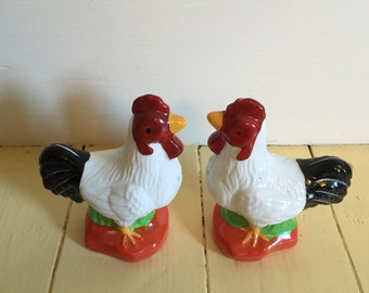 Adorable Rooster Salt and Pepper Shakers