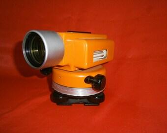 Soviet optical measuring device Level 2H-3l Theodolite USSR