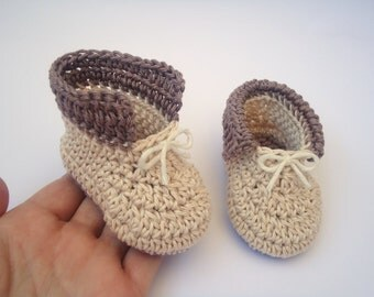 Crochet Baby boy shoes like a prince in Beige and Brown, baby accessories