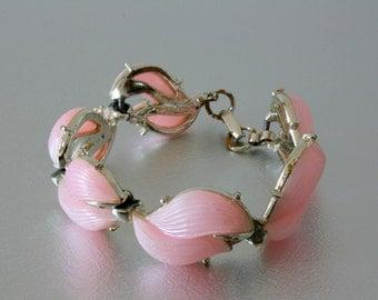 Vintage pink bracelet plastic leaf link bracelet