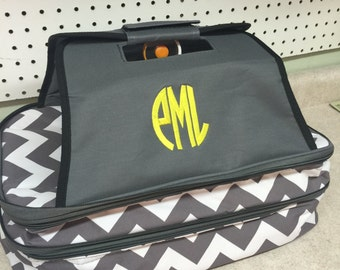 Single or double casserole carrier with embroidered circle monogram