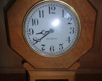 Vintage Wood General Electric Clock