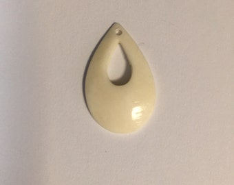 Vintage Bone Teardrop (12 pcs)