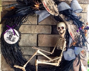 Halloween Wreath, Skeleton Wreath, Scary Wreath, Skull Wreath