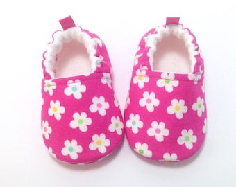 Pink Flower Baby Shoes, Soft Sole Baby Shoes, Baby Booties, Toddler slippers, Pink baby shoes, baby girl