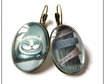 Earrings alice cheshire cat wonderland cabochon glass rhinestone iuminous