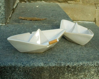 Beautiful and Cute Ashtray for Disgusting Smokers