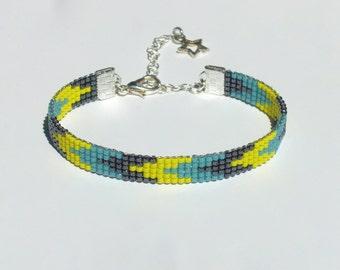 Bead loom bracelet with Miyuki Delica beads - Chevron