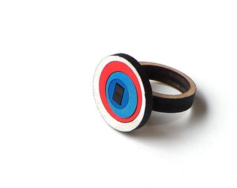 Stylish laser cut wooden ring - model 2/3