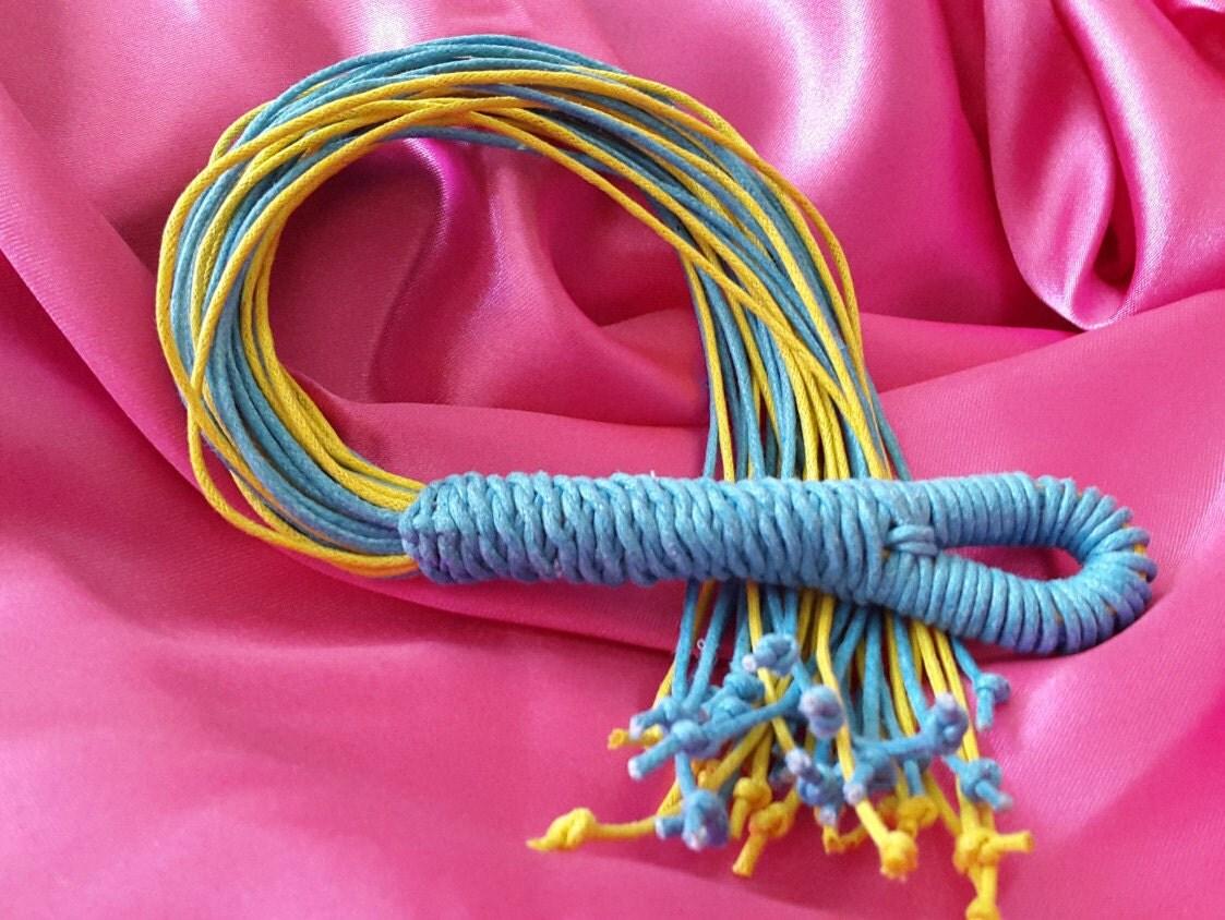 Bdsm flogger rizado pero lindo juguete sexual maduro amarillo y azul-6196