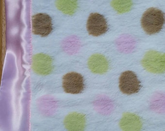 Light pink Minky Blanket/mantas para bebes en rosa y lunares