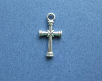 10 Cross Charms - Cross Pendants - Cross - Antique Silver - 20mm x 11mm  -- (No.11-10442)