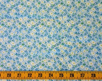 Daisy Cotton Fabric By The Yard, Daisies on Blue Quilting Cotton Fabric, Daisy Cotton Material, Blue Calico Fabric, t1-047