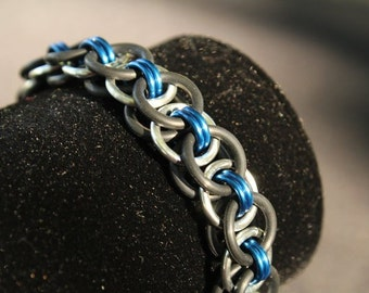Blue Stretch Chainmaille Bracelet - Helm Chain