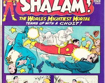 Shazam 17 comic book, 100 Page Giant, Captain Marvel, Billy Batson, and Mary Jr. The Original hero, Bronze Age. 1975 DC Comics in VF+ (8.5)