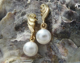 Gold Earrings, pearl earrings, gold Stud Earrings with pearls