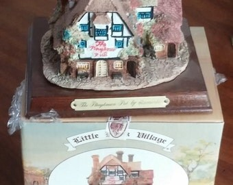 LIttle Nook Village The Leonardo Collection from the Heritage Mint LTD.  English The Ploughman Pub Resin Cottage