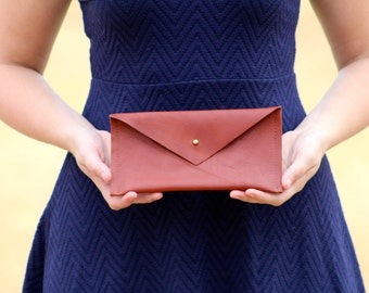 The Essential Leather Clutch