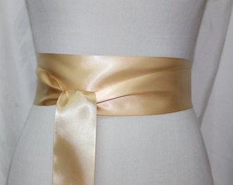 Yellow and white chevron dress sash