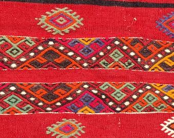 Vintage colorful red wool embroidered Turkish kilim rug 5x5ft