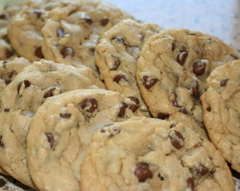 Gigantic Chocolate Chip Cookies (with or without nuts)