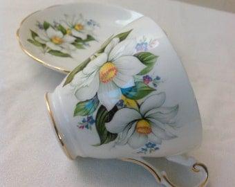 Vintage Regency English white flowers Bone China tea cup & saucer c.1950s