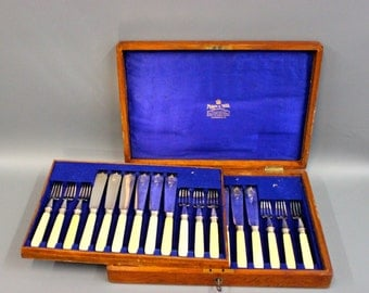 Mappin and Webb fish-cutlery including cutlery box
