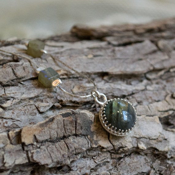 Bohemian silver necklace, gemstone necklace, little stone pendant, labradorite pendant, dainty pendant, crown necklace - Movement N2015