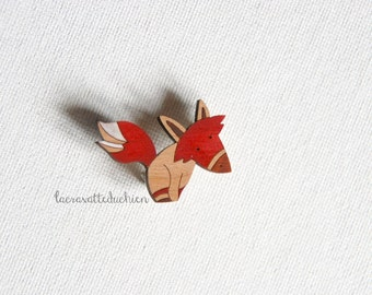 wooden red fox brooch, animal woodland jewelry, illustrated pin