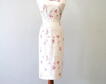 1960s Style Dress - 1960s Wiggle Dress - Pin Up Dress - Jackie O Style Dress - White Linen Dress Pink Floral Embroidery Sequins - OOAK