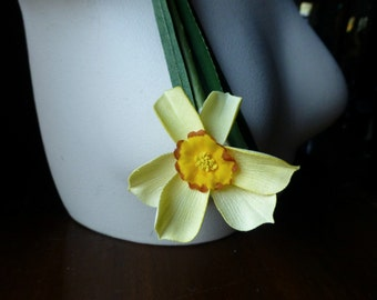 Yellow Daffodil Vintage Narcissus  for Bridal, Wreaths, Bouquets, Boutonierres, Corsages, Crafts. MF 256