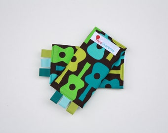 Sucking Pads - Drool Pads - Fits all Baby Carriers - Groovy Guitars