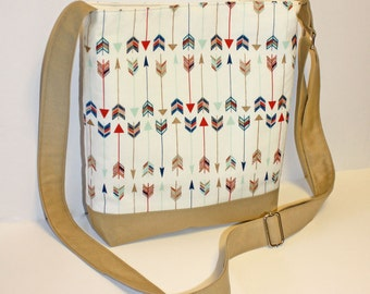 Just the Essentials Crossbody bag in Tribal Trendy