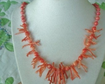 585 Gold Pink Branch  Coral Beads Vintage Jewelry Necklace