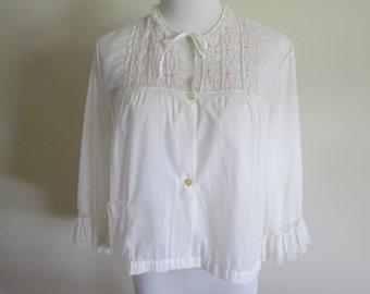 vintage 80s soft white buttonfront bed jacket