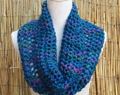 SALE - Hand Knitted Scarf, Hand knitted Cowl, Turquoise Infinity Scarf, Chunky Knit Cowl, Turquoise Scarf, Loop Scarf,