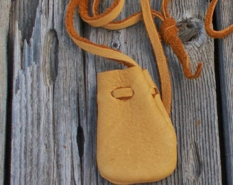 A small leather neck pouch for your medicines and amulets