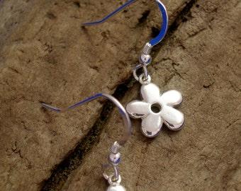Silver Daisy Earrings, Handmade, Sterling Silver, Silver Flower Earrings, Flower Jewellery, 925 Silver, Drop Earrings